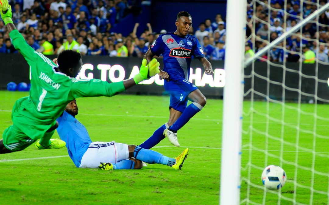 Emelec tied with the New York City in the reinaguration of his Stadium