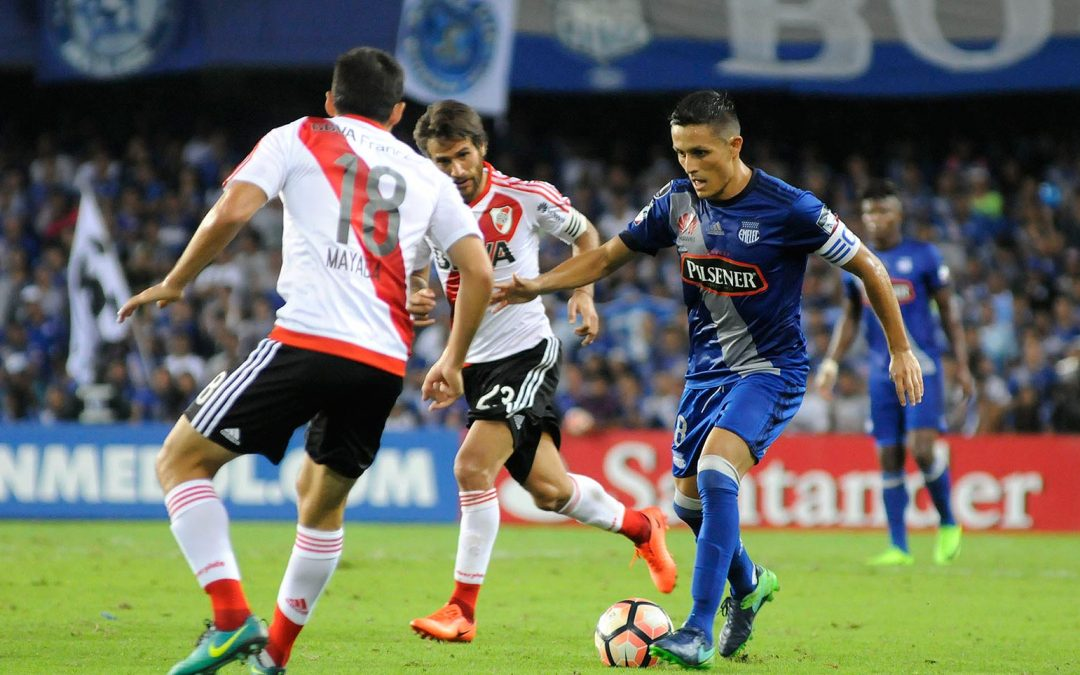 River Plate de Argentina venció 2-1 a Emelec