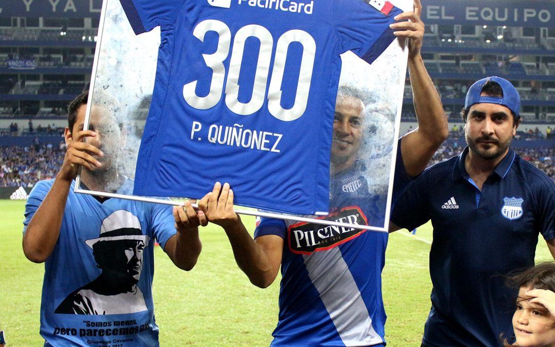Pedro Quiñónez recibió reconocimiento por sus 300 partidos con Emelec