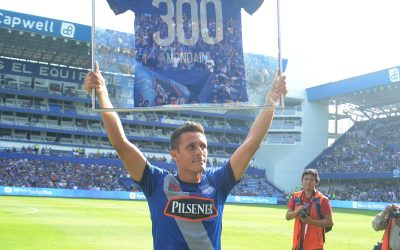 Marcos Mondaini obtained a recognition for his 300 games with Emelec