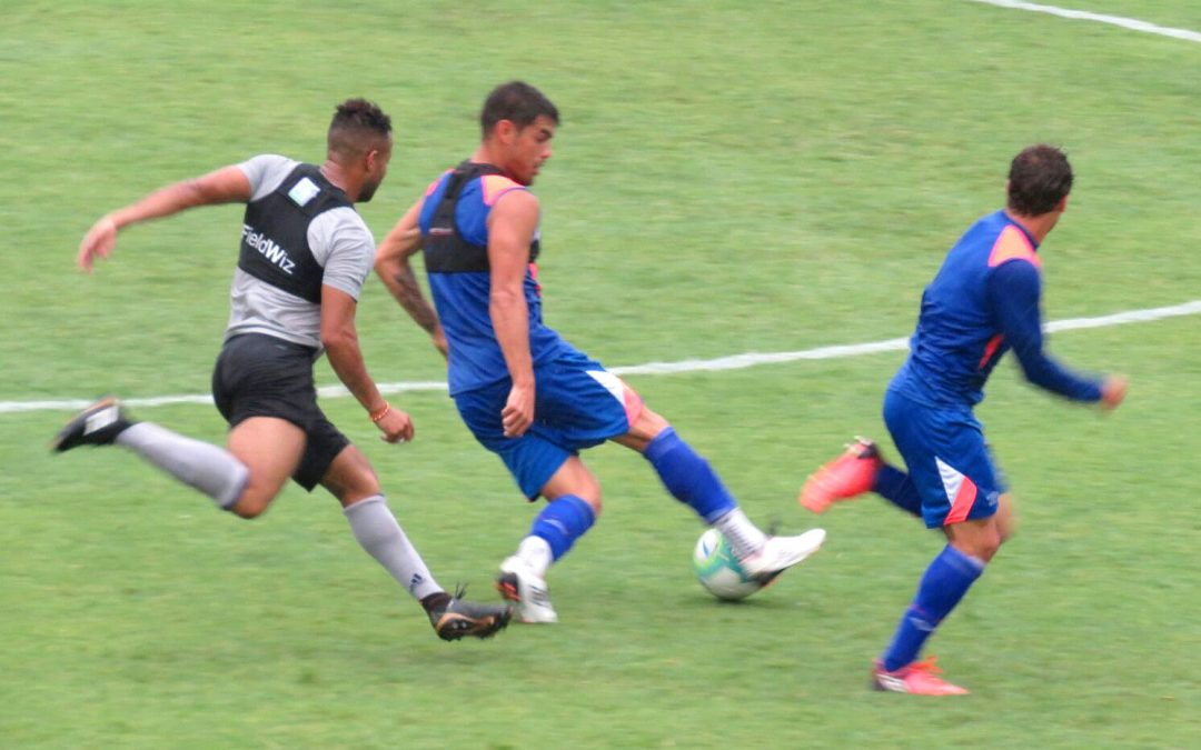 Nacional de Uruguay y Emelec se enfrentaron en Montevideo