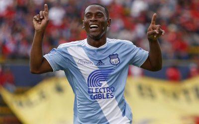 Dos goles de Angulo para buen debut frente a El Nacional
