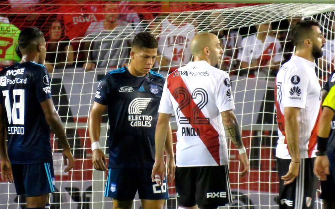 Victoria de River Plate sobre Emelec en Buenos Aires