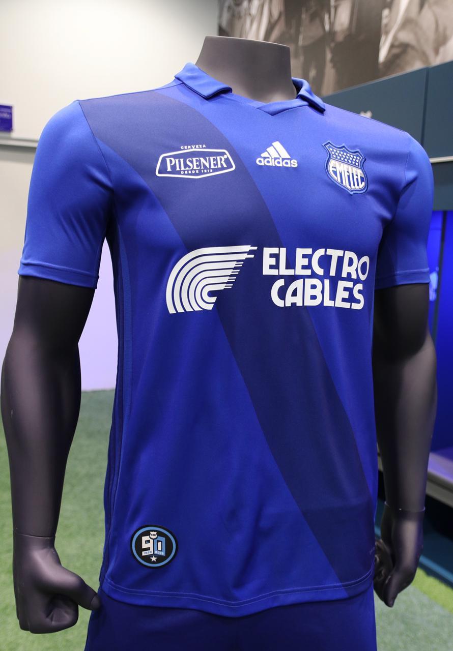 La nueva piel  Eléctrica  está a la venta en todas las tiendas adidas del  país y en locales de Marathon Sports. Su precio b7722f16026