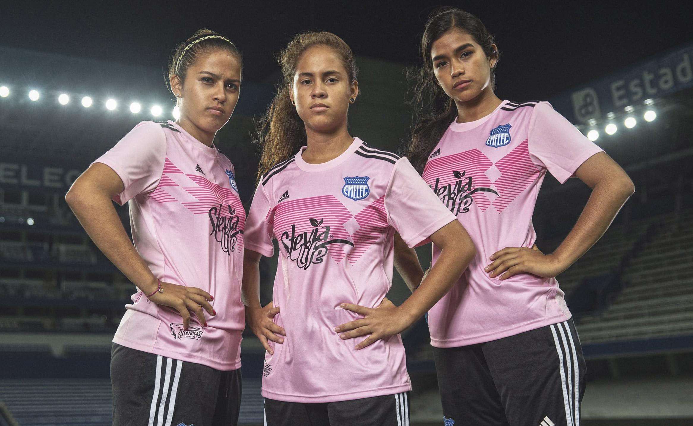 Contribuyente lana Del Sur  Emelec se une al partido contra el cáncer de mama y lanza una camiseta  conmemorativa - Sitio Web Oficial