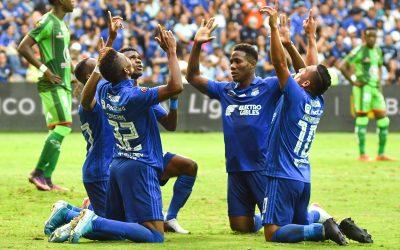 Emelec clasificó a play-offs, goleando 6-1 a Mushuc Runa